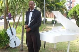 Maestro César Custódio