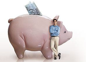 O consultor financeiro, Jaime Garcia Dias, dá dicas de como economizar